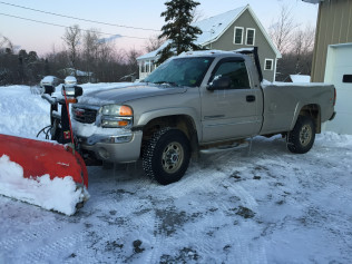 2005 GMC 2500HD W/PLOW 80,000 ORIGINAL MILES